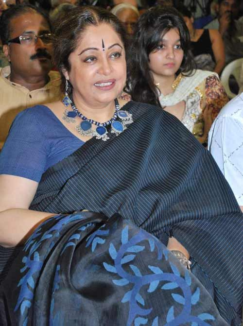 Kiron Kher in handwoven Saree and silver jewellery . Description by Pinner Mahua Roy Chowdhury