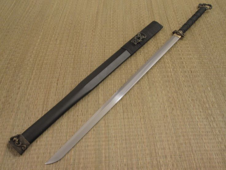Han Dynasty Dao - Straight blade, single edged sword. Definitely one that I want to add to my collection of swords