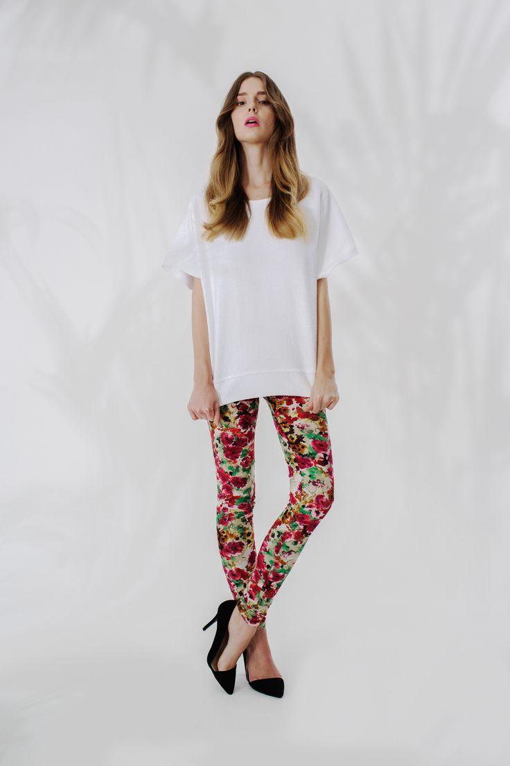 Perłowa bluza + floral leggins