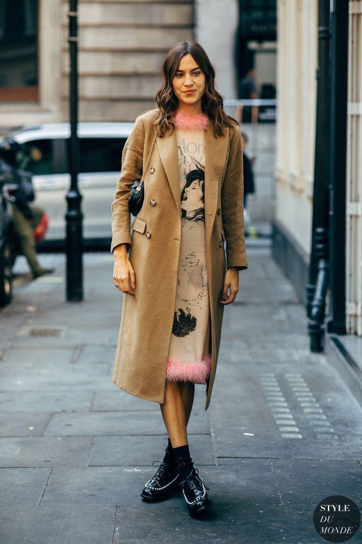 717a30fc1c Alexa Chung by STYLEDUMONDE Street Style Fashion Photography20180917 48A9804