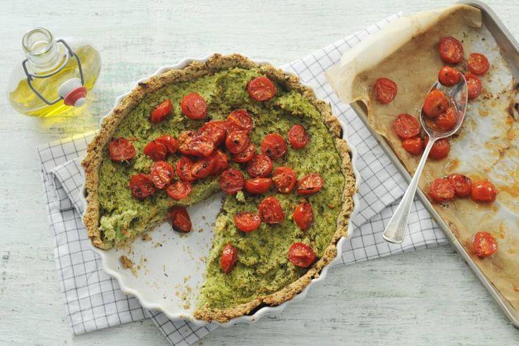 Gezonde quiche met een bodem van havermout, hazelnoten, dragon en eieren - Recept - Allerhande