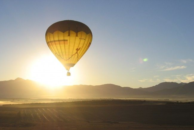 Hot Air Ballooning with Wineland Ballooning in the Cape Winelands, only 1 hour from  Cape Town, South Africa #dirtyboots #adventuresouthafrica #hotairballooning