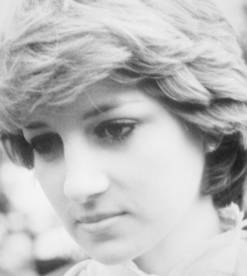 Miss Honoria Glossop: Beautiful photo of a young Diana