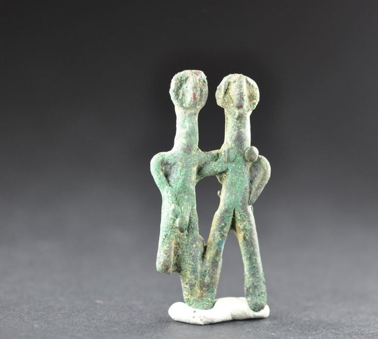 Embraced man and woman, Amlash bronze figurine 16, 1st millenium B.C. Private collection