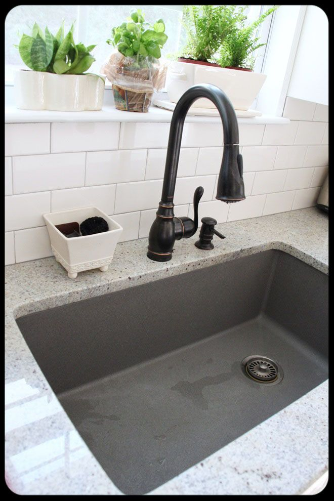 Great sink, doesn't show anything! I once had black and loved it!