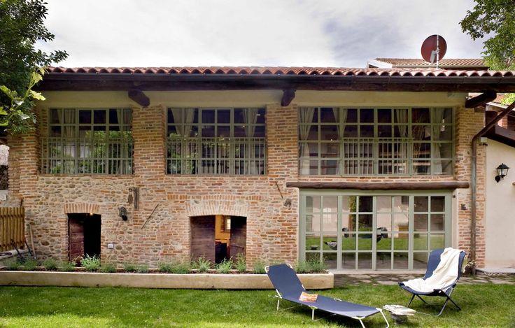 Casale Montecchio. Bogogno (NO).Italy  Project 2006 by Fabio Carria Architect