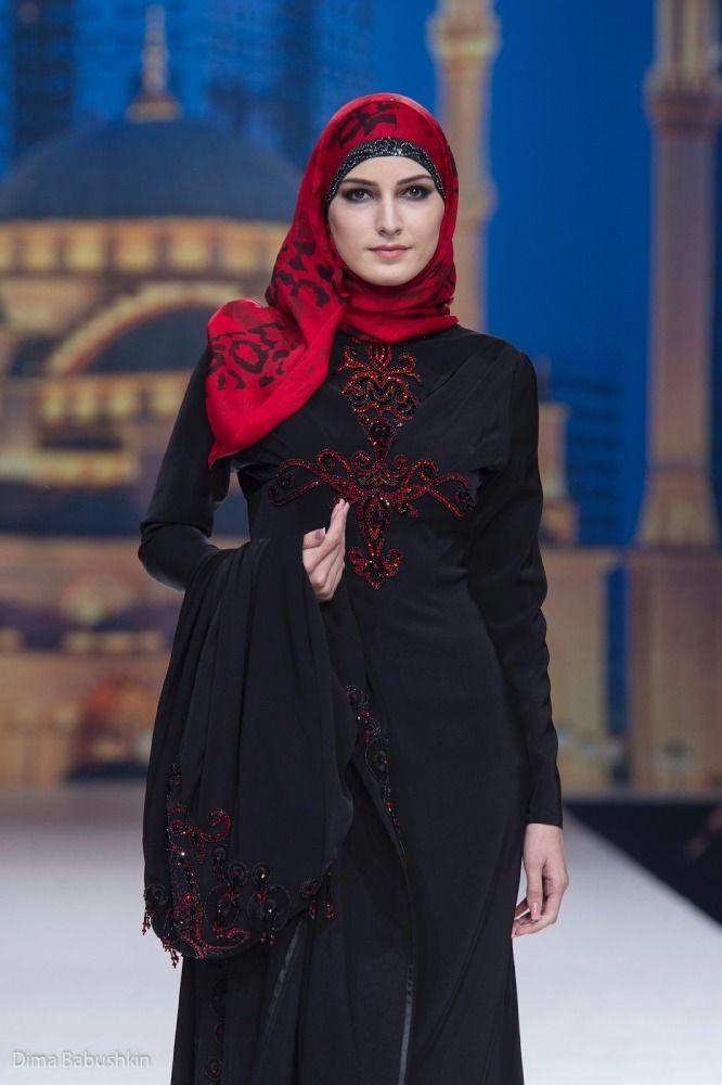 Модный дом Firdaws, основательницей которого является первая леди ЧР Медни Кадырова, и дизайнер Зарима Яхаева представляют новую коллекцию весна-лето 2013 «Леди Фирдавс». Чеченский дизайнер занимает особое место в fashion-индустрии благодаря выбранному направлению: это изысканные  наряды, ключевая тематика которых основана на исламских мотивах.