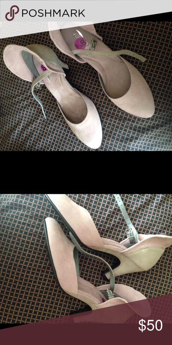 NWT, Aerosols ankle strap shoes! NWT! Never worn. AEROSOLES Shoes Heels