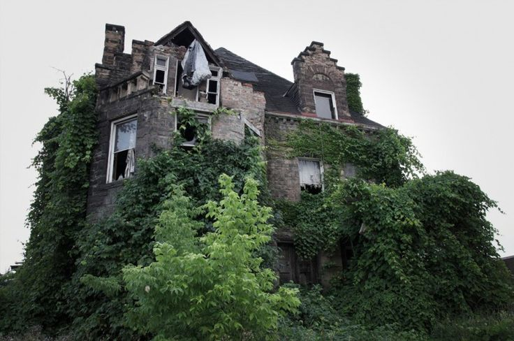 """malformalady: """" For two years, American photographer Seph Lawless has been searching American roads to shoot the scariest houses in the country. The Oliver Family Mansion, Chester, Pennsylvania. The..."""