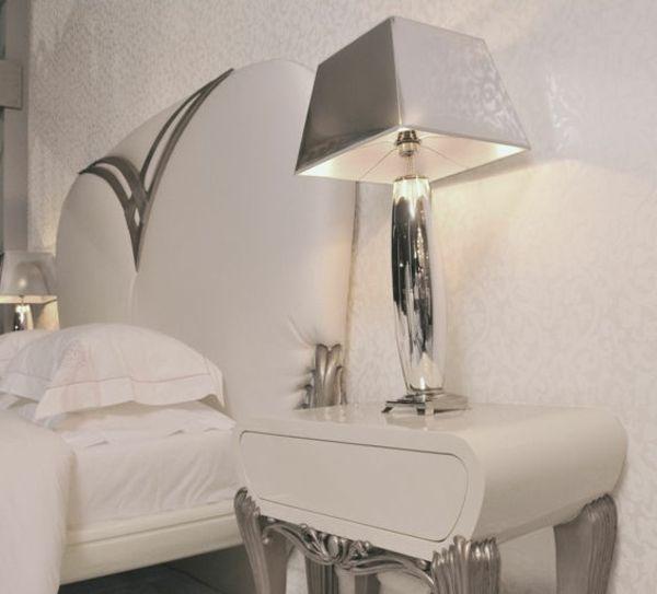 lampe de chevet baroque 15 le chevet baroque rennaissance du0027un meuble classique. Black Bedroom Furniture Sets. Home Design Ideas
