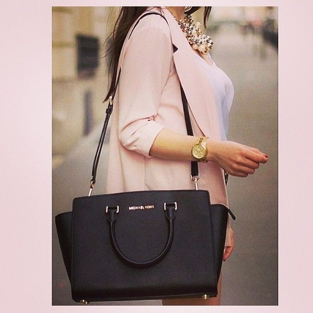 Michael Kors Handbags Outlet #Outlet