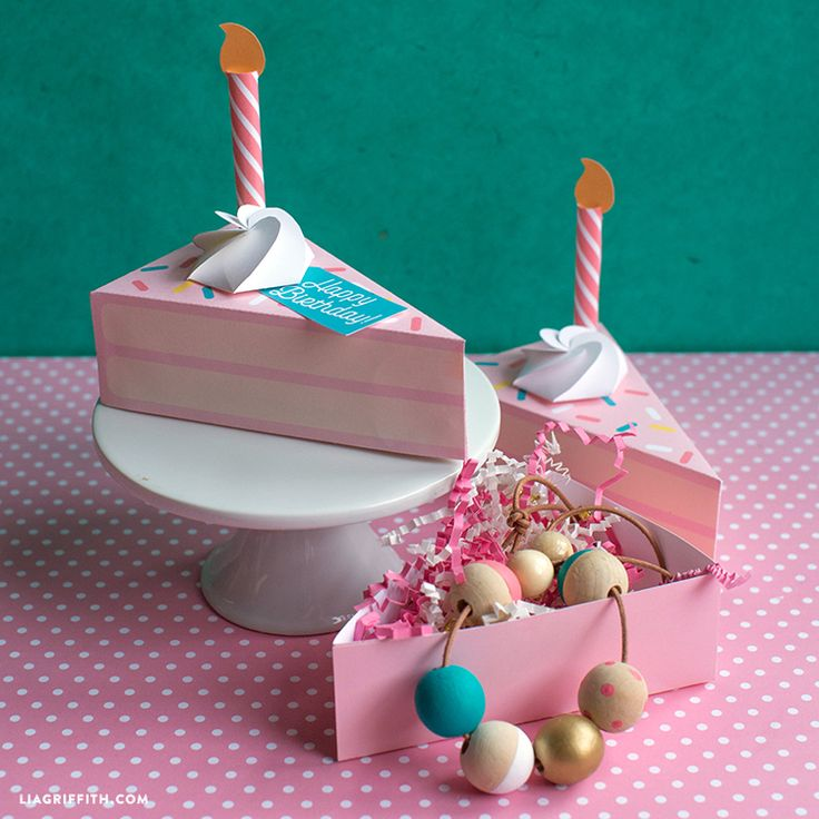 Hello birthday cake boxes! These adorable pastel containers are great for gifting cake slices, but we also love them to use as styled gift boxes.