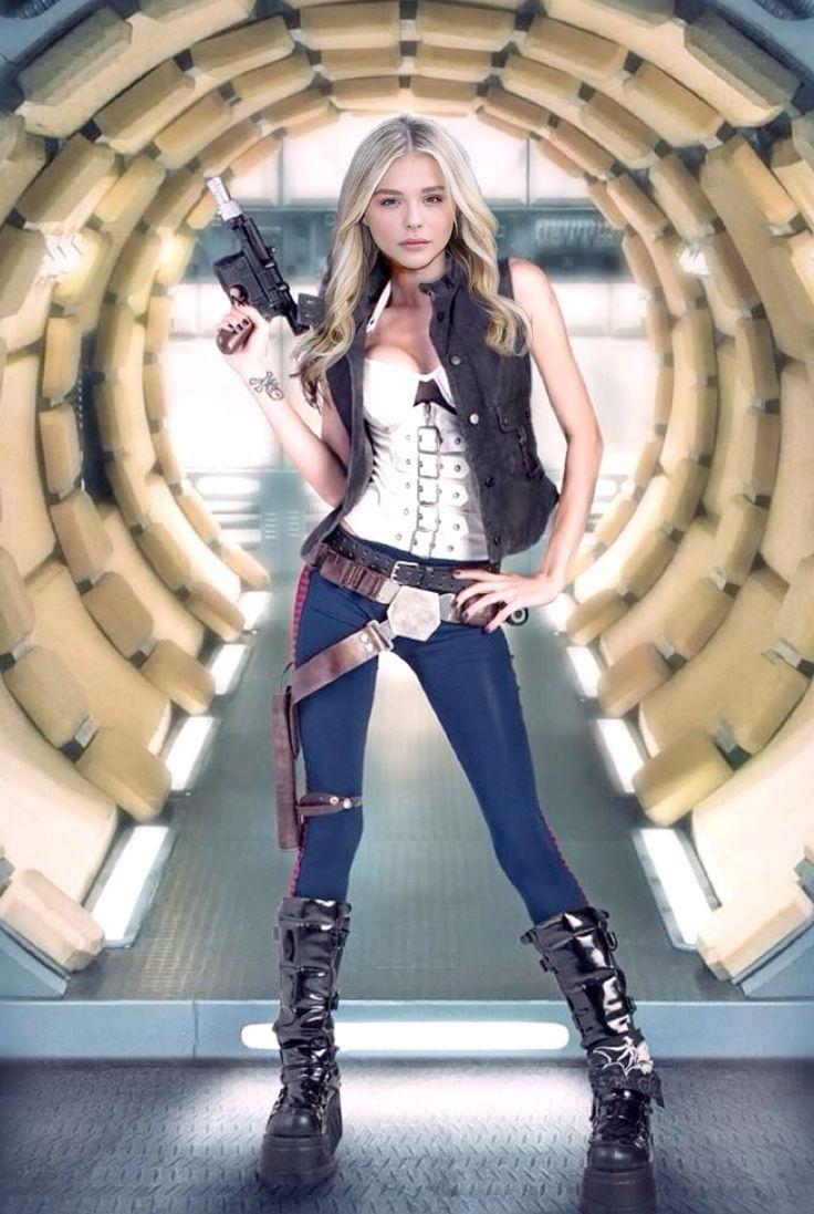 Chloë Moretz in Han Solo costume