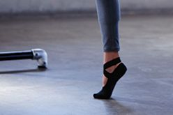 Wrap Grip Sock | Socks | lucy activewear