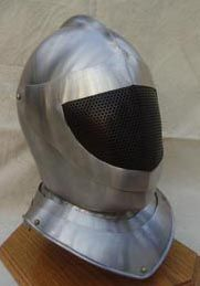 This is one of the options with which I would like to replace my fencing mask, because helmets are sexier.