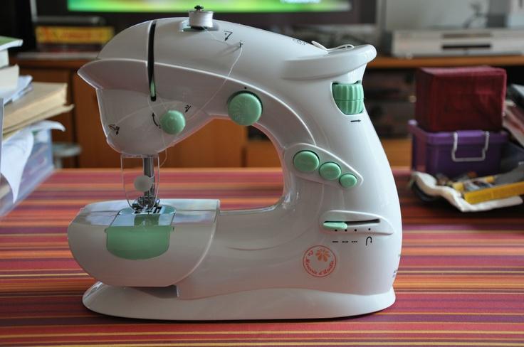 17 best images about machine a coudre pour enfant on pinterest. Black Bedroom Furniture Sets. Home Design Ideas