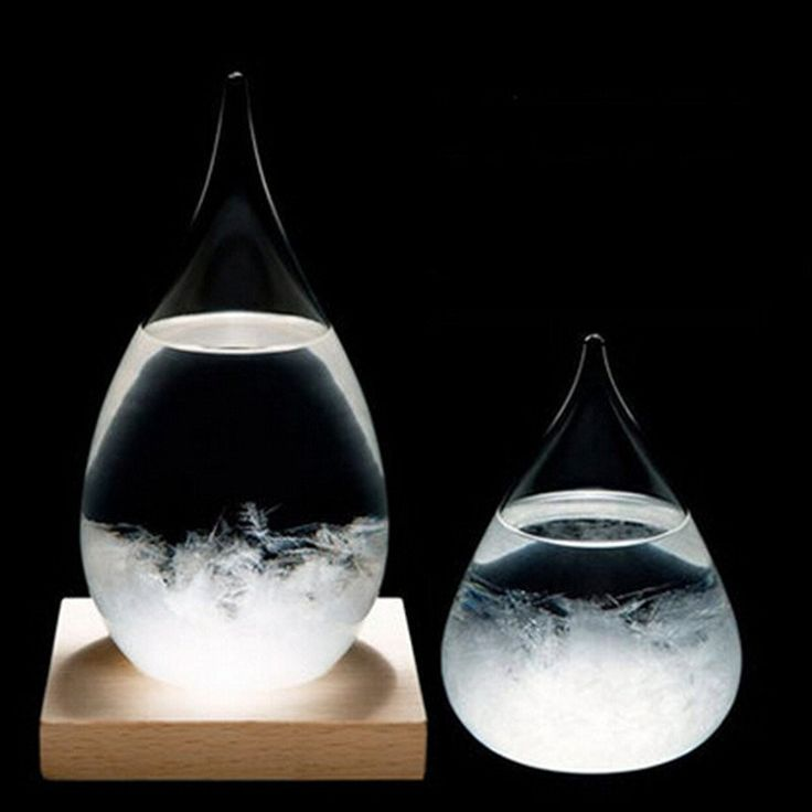 Free Worldwide ShippingPackage: Storm Glass without Wood baseSize : 6 x 12cmUnit weight : 200gShipping: Please Allow 24 - 45 Business Days for the product to arrive.The Storm Glass was initially designed in the mid 1700's, and soon made it's way into boats and harbors around Europe to help in the prediction of coming bad weather. It picked up the most notoriety through Admiral FitzRoy who utilized a Storm Glass on the voyage in which he and Darwin set out to the Galápagos Islands. In that…