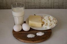 Этот сыр станет для вас откровением. Он имеет плотную структуру, мягкий сливочный вкус, дырочки, как у настоящего твердого сыра, и самое приятное — готовится максимум 45 минут. Замечательный сыр к утреннему кофе, а также, как компонент для бутербродов. Он вам обязательно понравится! Мастер-класс редактора Smachno.ua Ольги ЗАЙЦЕВОЙ