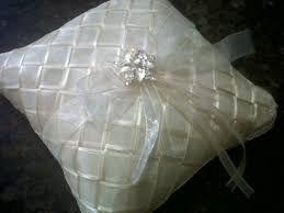 Resultado de imagen para cojines para boda