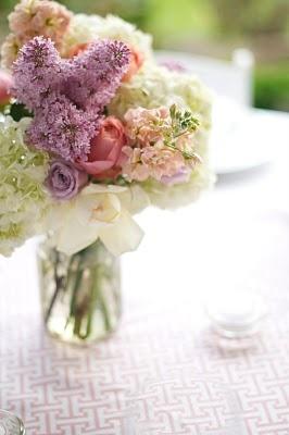 9 - Floral arrangement #modcloth #wedding