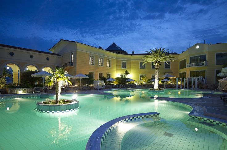 Thermae Sylla's outdoor swimming pool consisted of 50% medicinal water – 50% sea water at 28-30ºC