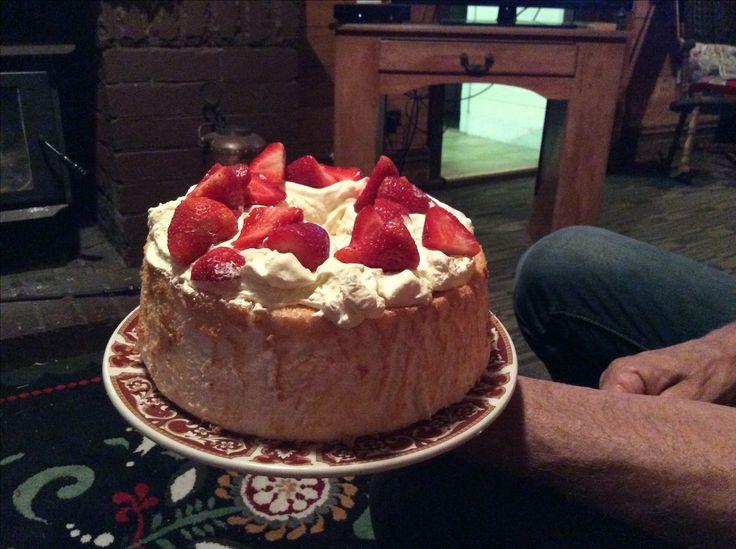 Angle food cake