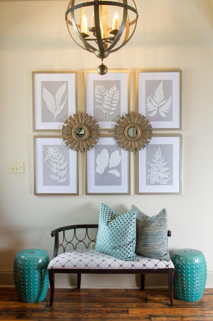 Elegant entry way | Arianne Bellizaire Interiors | www.inspiredtostyle.com #entryway #foyer #grid #sunburstmirror