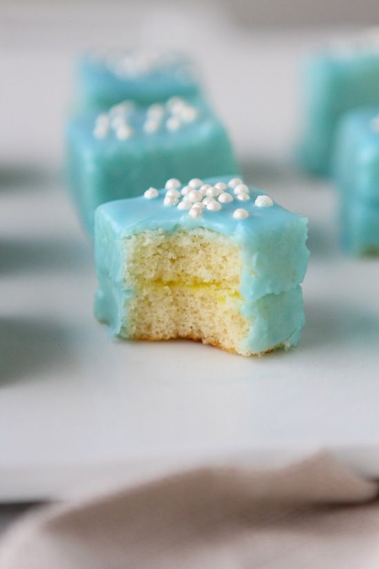 So cute for Easter! Springtime Petits Fours from laurenslatest.com | BHG Delish Dish