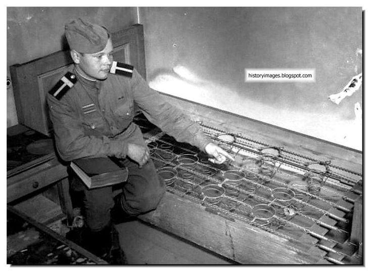 Hitler's Last Refuge: Führerbunker | WWII | Pinterest | Beds