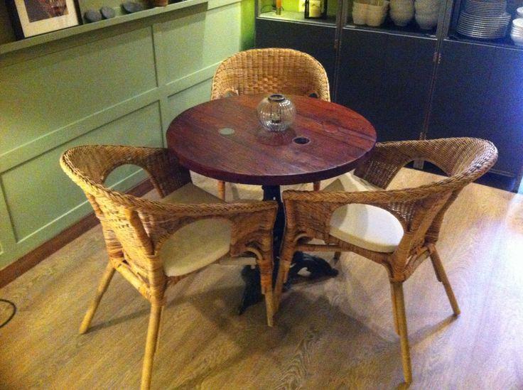 Mesa fabricada con carrete de madera reutilizado!! reused !!