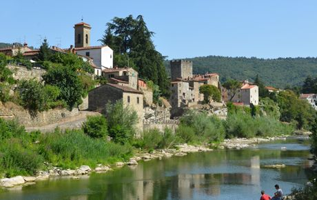 Subbiano tuscany - fishing in the river