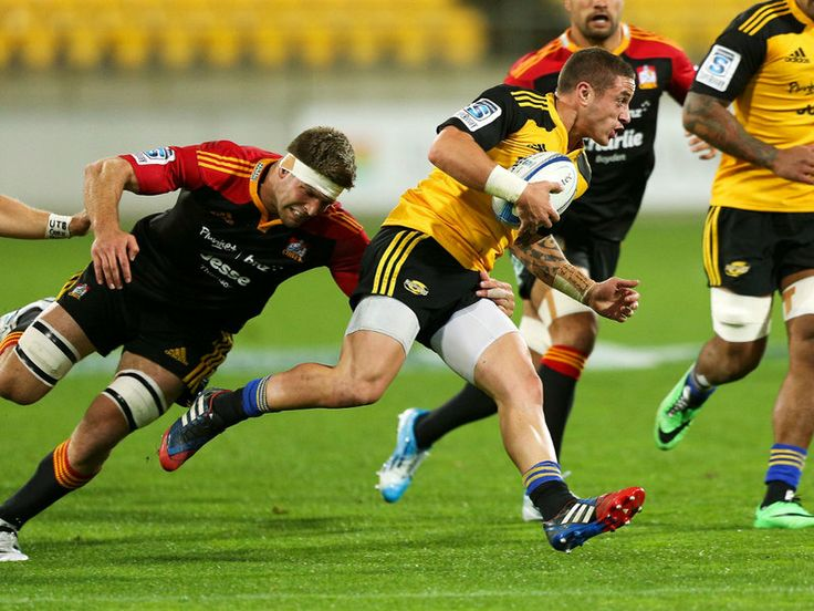 GALLERY: SUPER RUGBY, SATURDAY Taking the gap: TJ Perenara