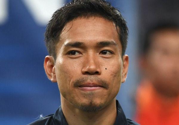 サッカー日本代表・長友佑都、練習後にパシャリ「槙野、相変わらずのテンションの高さ。笑」