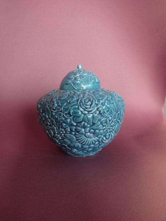 15 best pet urns images on pinterest cremation urns pet urns and millefleurs turquoise blue memorial urn turquoise blue memorial urn is the perfect keepsake for small cremation ashespet solutioingenieria Choice Image