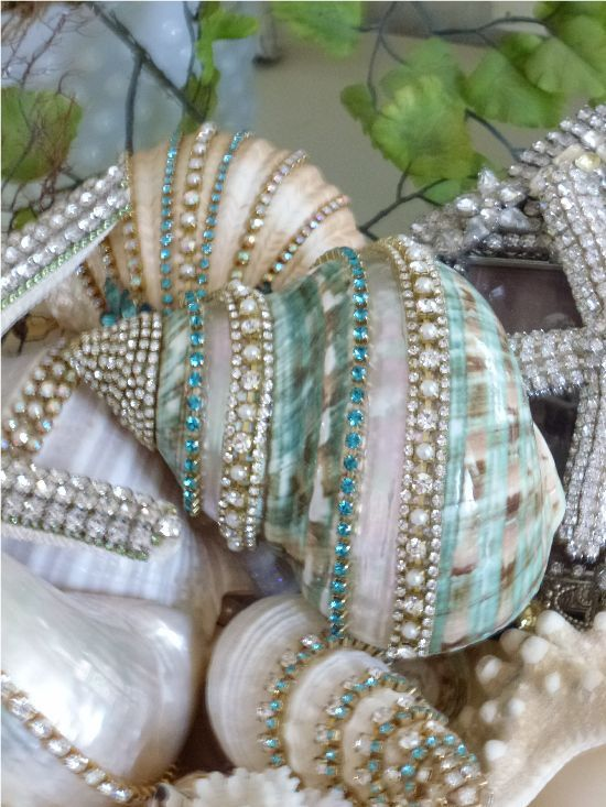 jeweled shells love this so classy and like the shells painted gold or silver!!