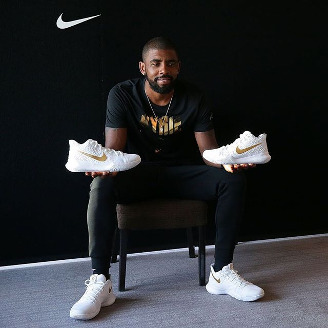 Kyrie Irving kicks off his Asia Tour in Tokyo, where he will meet and greet his growing fan base. Kyrie's game has always been appealing to the Asian demographic as his style of play relies on finesse, but as his list of achievements continues to grow, he has the potential to be Asia's next great idol - perhaps on the level of Kobe Bryant. For more on Kyrie's summer tour, tap the link in our bio. #kickstagram #sneakerheads #puma #instasneakers #sneakerfiles