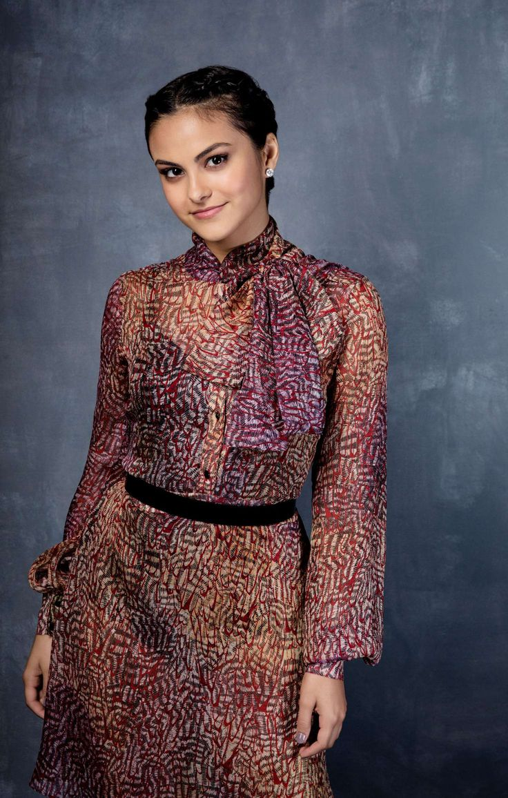 Camila Mendes Sizzles In The Men S Health December Gift: Pin De Catia Lopes Em Camila Mendes