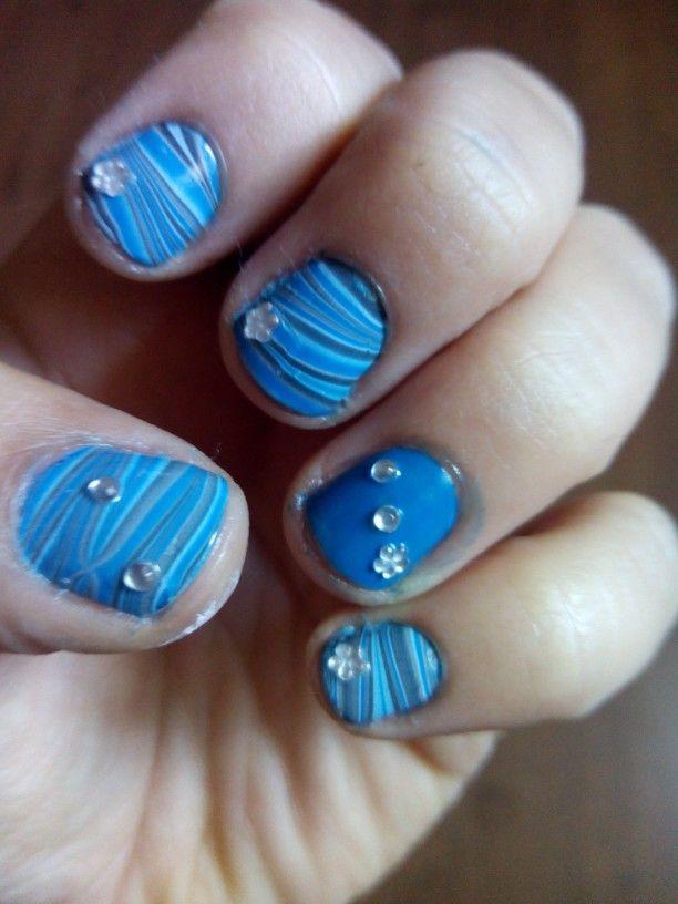 Mis uñas al agua.