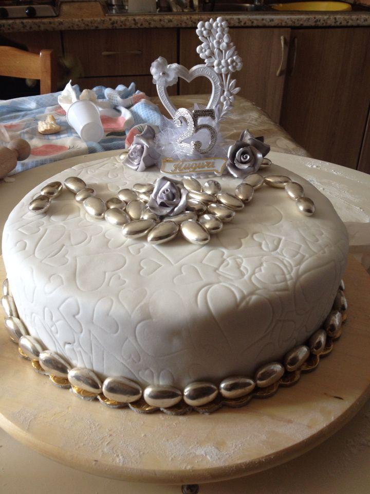 Oltre 25 fantastiche idee su torte di 25 anniversario su for 25esimo anniversario