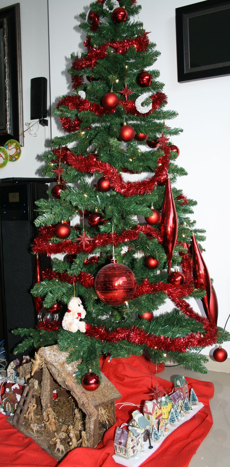 Our (artificial) christmas tree....sorry .....allergic! :)