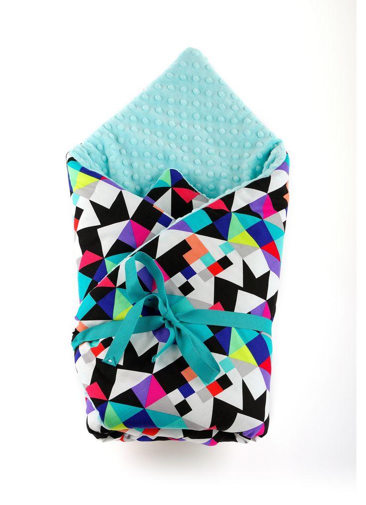 Kolorowy, przyjemny w dotyku rożek, który może również służyć jako kołderka.  Gruby kocyk wykonany ze 100% bawełny połączonej z polarem minky.