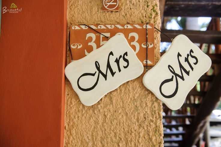 Decorations like these add such a perfect Wedding touch!  @fiestagroup @bicoastalimages #lizmooreweddings