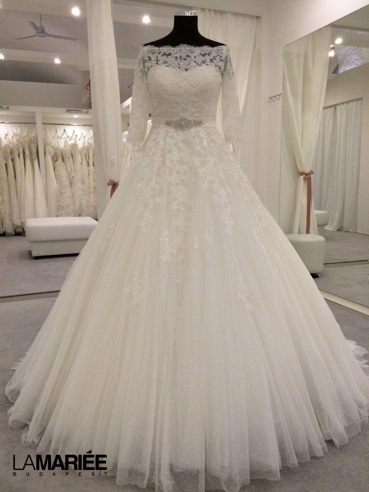 Best esküvői ruha - 2015 Pronovias kollekció - La Mariée Budapest esküvői ruhaszalon http://lamariee.hu/eskuvoi-ruha/pronovias/best