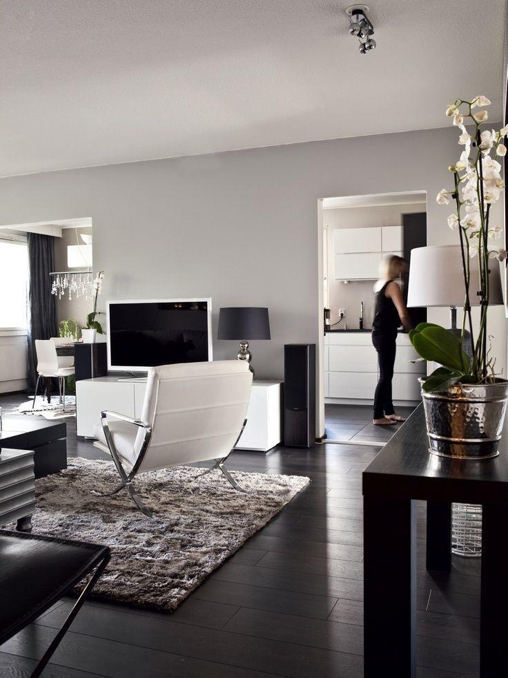 60 идей темного пола в интерьере: варианты оформления, лучшие сочетания (фото) http://happymodern.ru/temnyj-pol-v-interere/ Темно-коричневый ламинат - это красиво и стильно