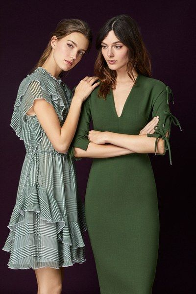 See the full Pre-Fall 2018 collection from Lela Rose.