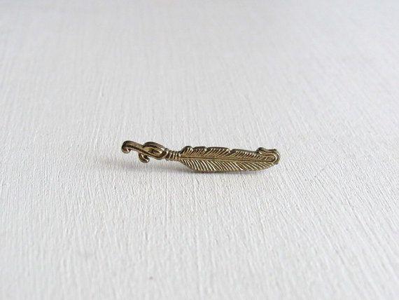 Para su consideración es este pin de pluma metal. Esta pieza cuenta con detalles…