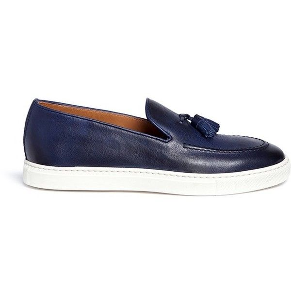 Doucal's 'Mike' tassel leather loafers (1,760 CAD) ❤ liked on Polyvore featuring men's fashion, men's shoes, men's loafers, blue, mens leather loafer shoes, mens tassel shoes, mens tassel loafer shoes, mens leather shoes and mens loafer shoes
