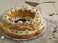 Paris brest torta dolce francese a base di pasta choux