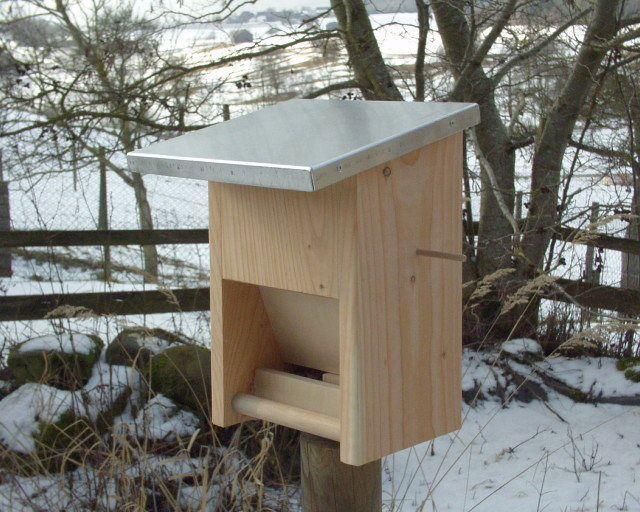 ber ideen zu vogelfutterhaus auf pinterest futterh uschen vogelfutterhaus selber. Black Bedroom Furniture Sets. Home Design Ideas