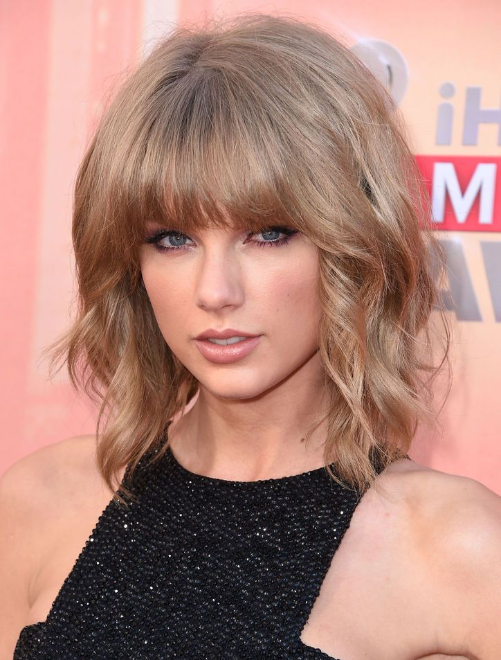 5 Sexy Beauty Looks That Helped Taylor Swift Land the Top Spot of Maxim's Hot 100 List